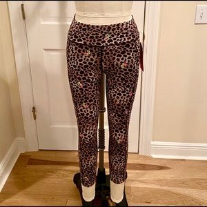 🟡 NWT Betsey Johnson Leopard Leggings
